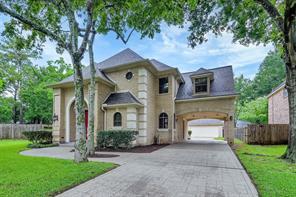 25 Woodsborough Circle, Spring Valley Village, TX 77055