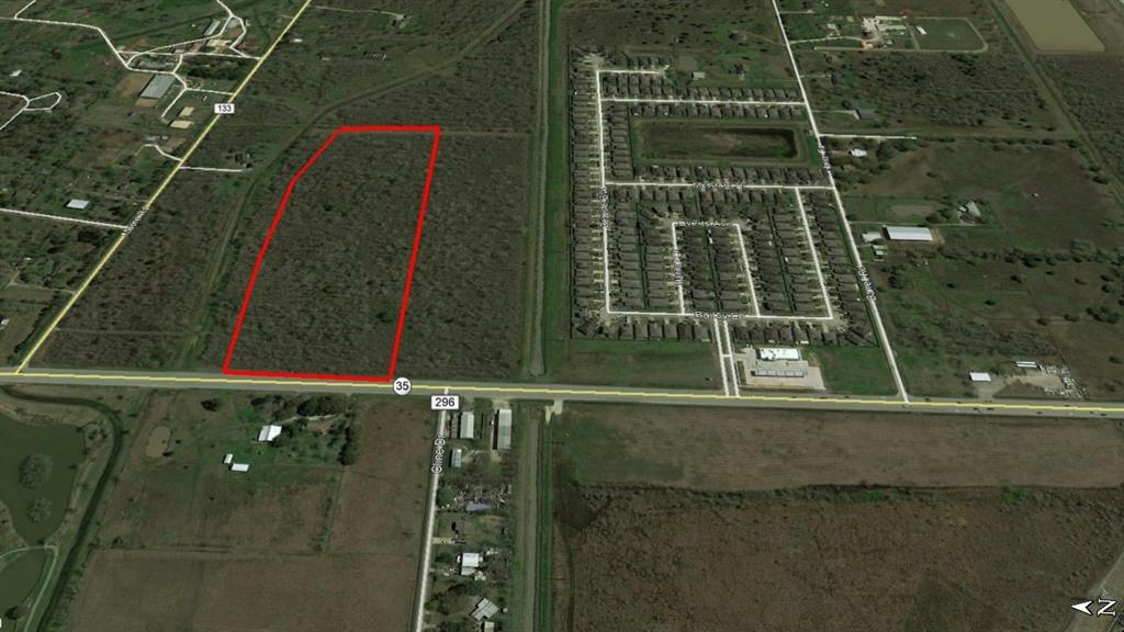 18.14 acres located in the City of Alvin with HWY 35 frontage.  Great for a commercial development or a residential home.