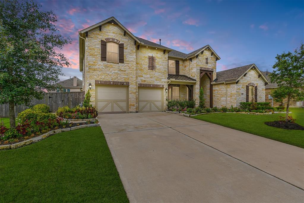 13510 Sorghum Drive, Rosharon, TX 77583