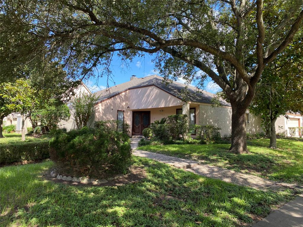 7902 Albin Lane, Houston, TX 77071