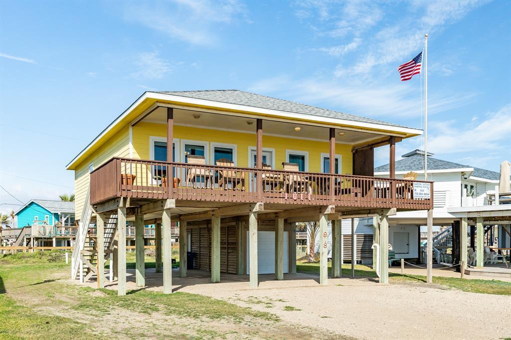 918 Beach Drive, Surfside Beach, TX 77541