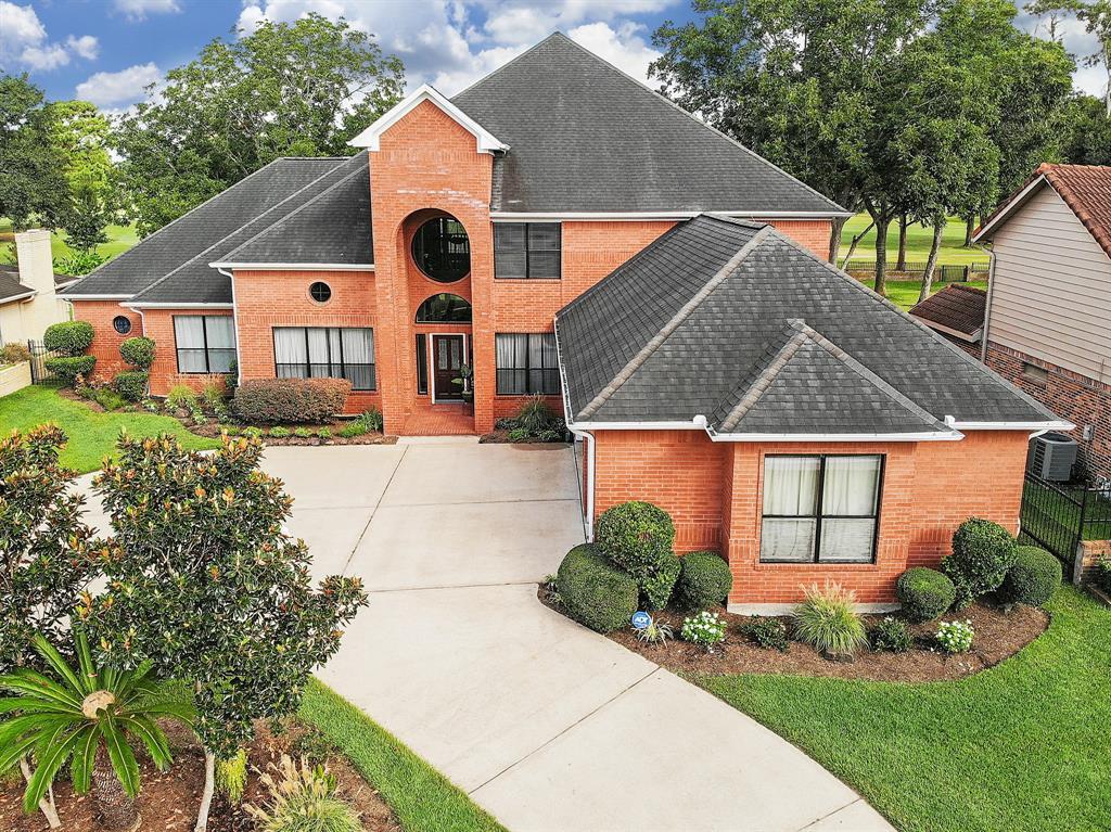 2318 Green Tee Drive, Pearland, TX 77581
