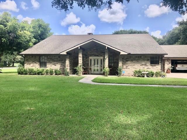 2012 Wilson Road, El Campo, TX 77437