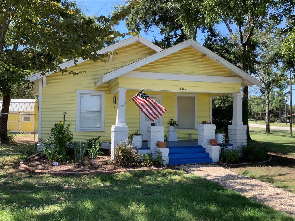 207 N Archer Street, Groesbeck, TX 76642