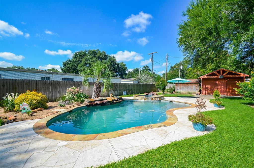 2509 Hutchins Lane, El Campo, TX 77437