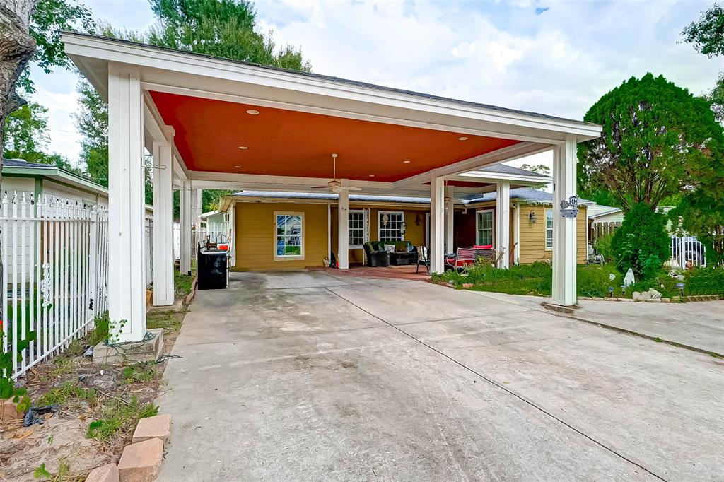 5931 Honeysuckle, Houston, TX 77087