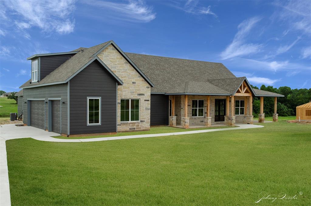 194 North Garrett Circle, Bellville, TX 77418