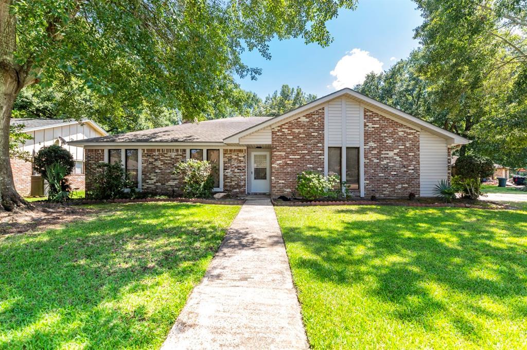 6895 Saratoga Circle, Beaumont, TX 77706