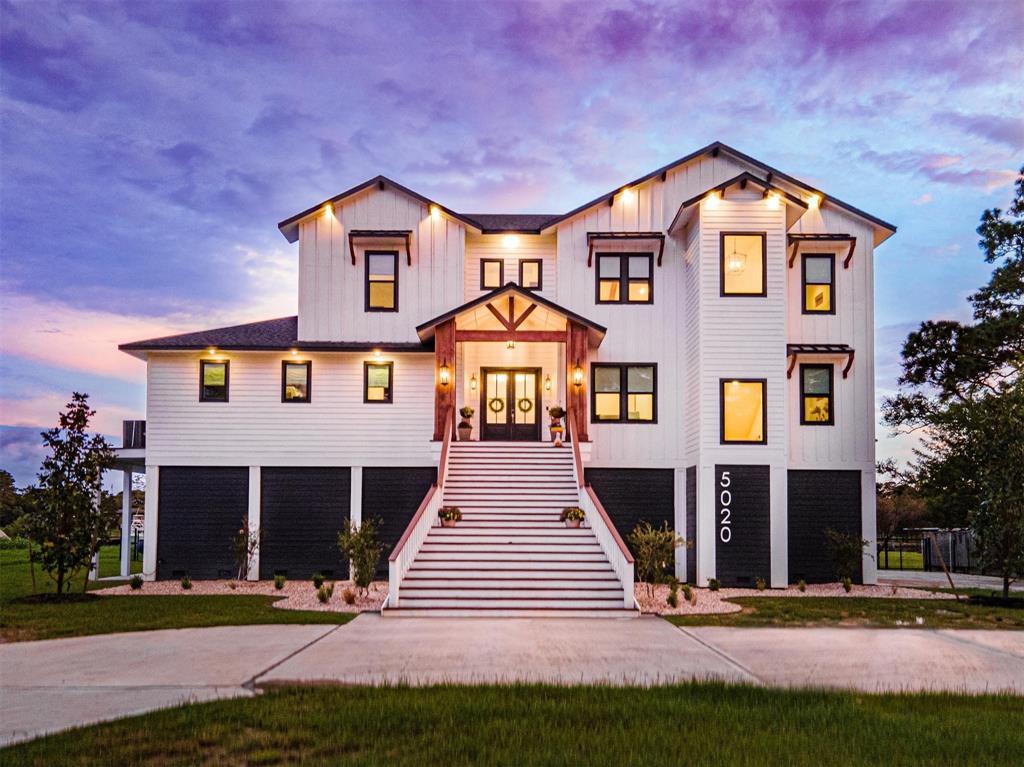 5020 Country Club Drive, Dickinson, TX 77539