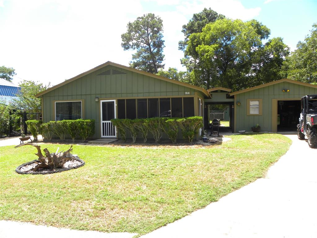 164 Governor Hogg Drive, Point Blank, TX 77364