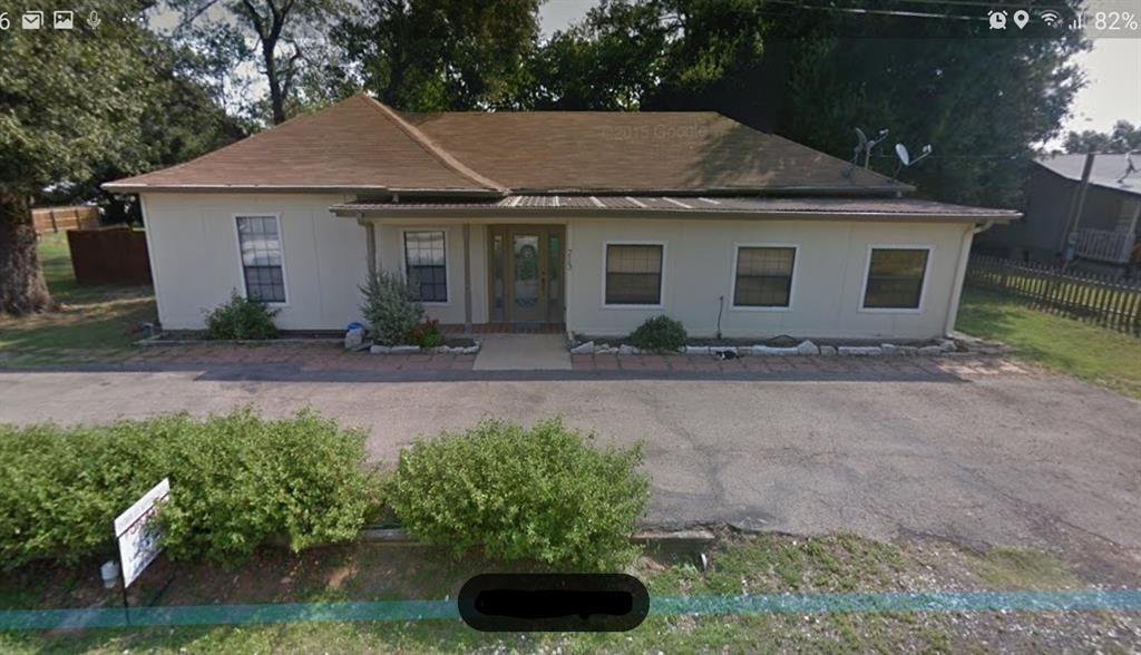 713 N SHARP Street, Franklin, TX 77856