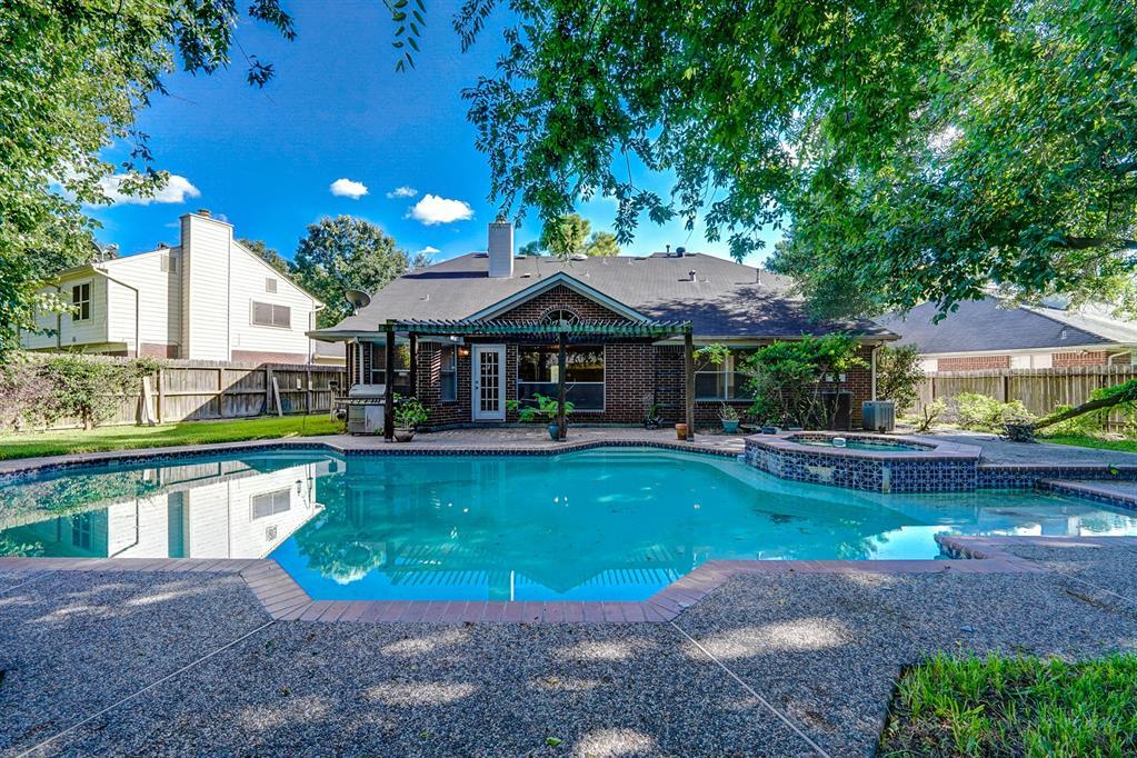 10019 Villa Verde Drive, Houston, TX 77064