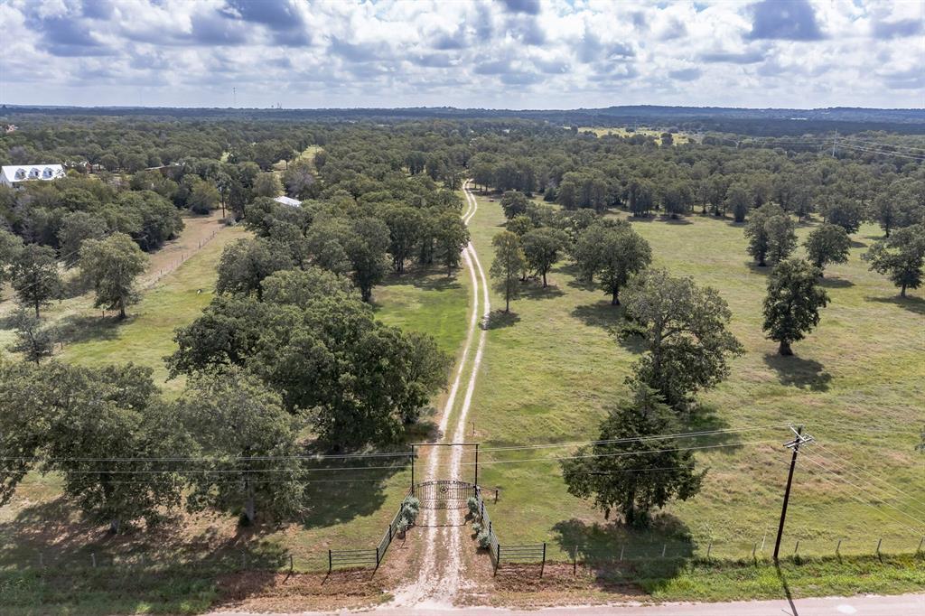 449 Branecky Road, Flatonia, TX 78941