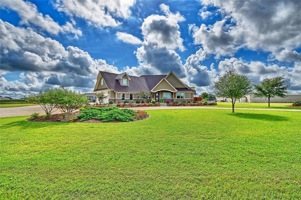 262 County Road 002, Hallettsville, TX 77964