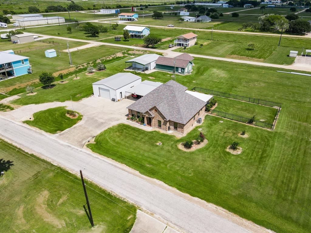 559 W Bayshore Drive, Palacios, TX 77465