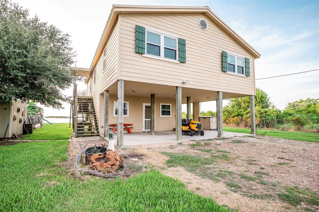 108 Speckled Trout Loop, Palacios, TX 77465