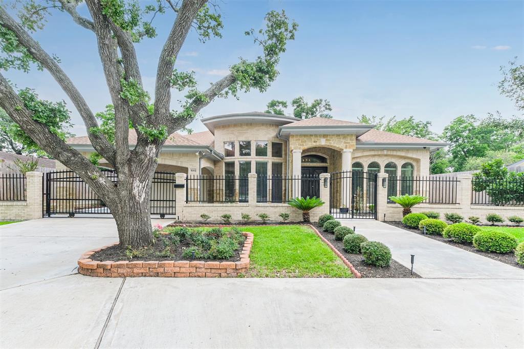 5002 Willowbend Boulevard, Houston, TX 77035