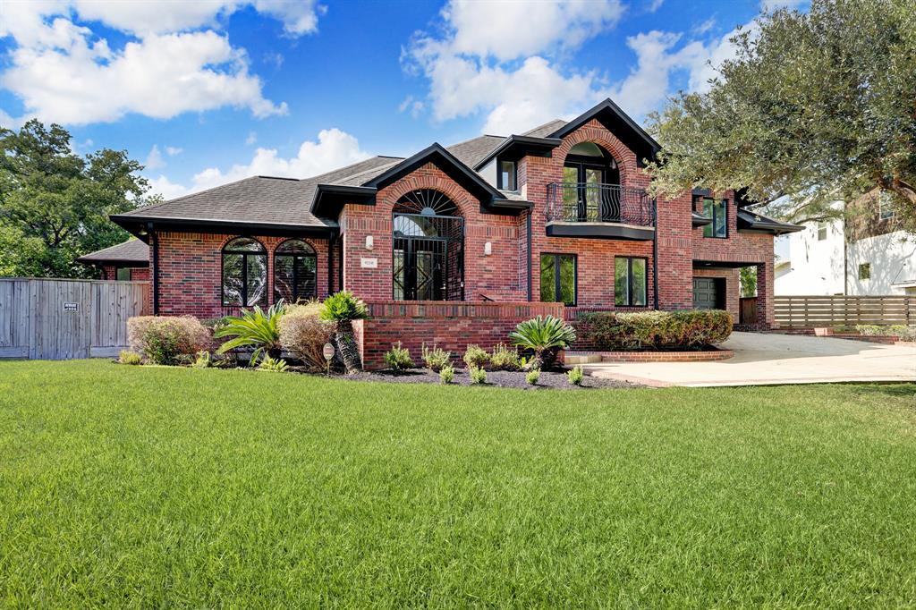 9210 Cliffwood Drive, Houston, TX 77096