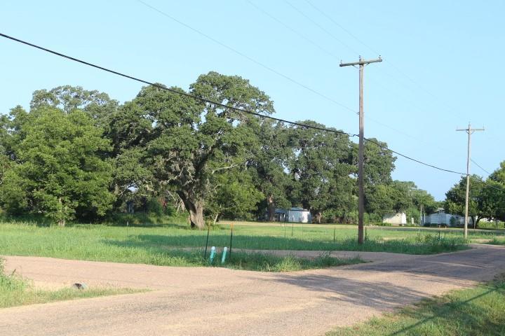 440 Canal Street, Alleyton, TX 78935