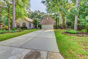 2 Prosewood Court, The Woodlands, TX 77381