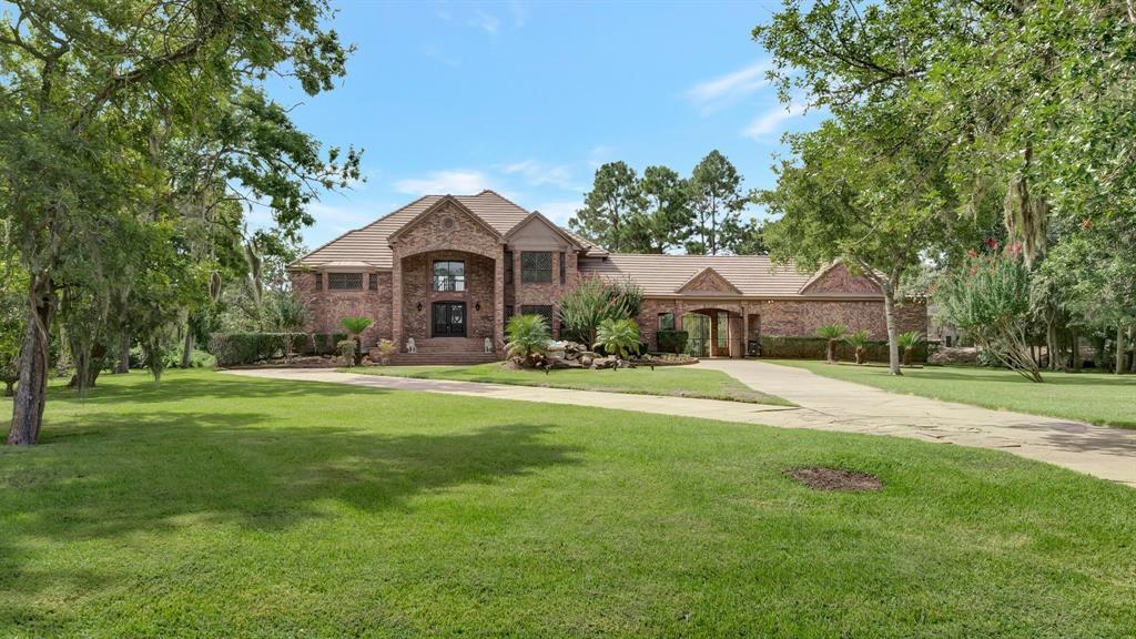702 Oak Drive, Friendswood, TX 77546
