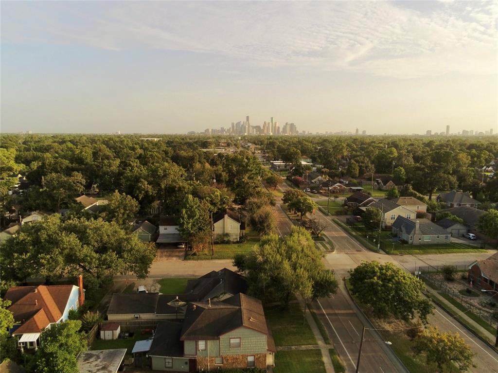 805 Graceland Street, Houston, TX 77009
