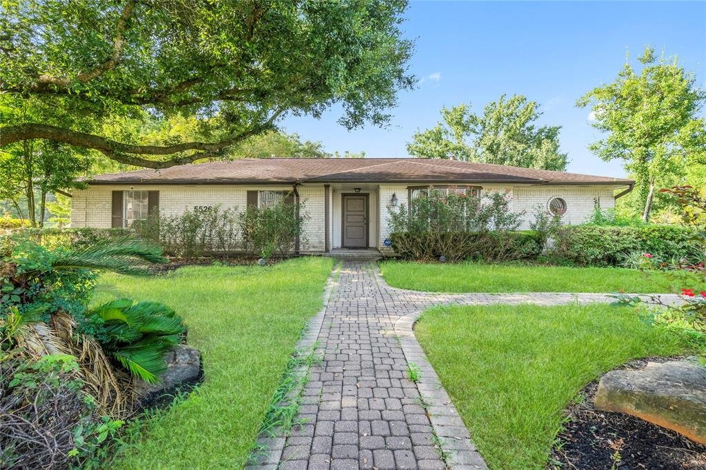 Dream Location HOME, OFFICE, and ACREAGE near Beltway 8 / IAH Airport.  Don't Miss the opportunity to own this RARE FIND.