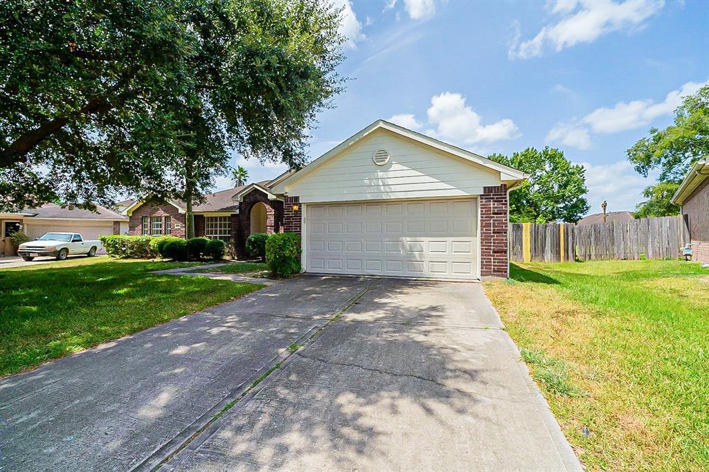 2731 Briarloch Lane, Houston, TX 77073