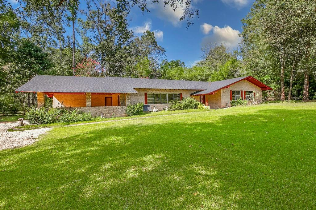 2941 State Highway 103, Etoile, TX 75944