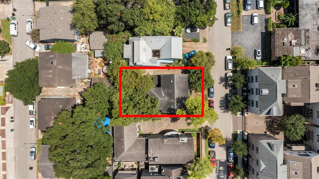 Builder's Special!! Put this lot in your land bank now and allow the tenants to pay your holding costs. Then you can plan and coordinate your build at a time that works for you. The original home was built in 1940 and over 3200 SqFt. It was previously split into a duplex and is 100% occupied with long term leases. The lot size is 4900 SqFt and makes it a good option for either a single home or a couple of townhouses. Located in Upper Kirby area, makes this a very desirable neighborhood and has already seen a number of high-end homes built on this and neighboring streets. Perfect opportunity for you to capitalize for your future plans!