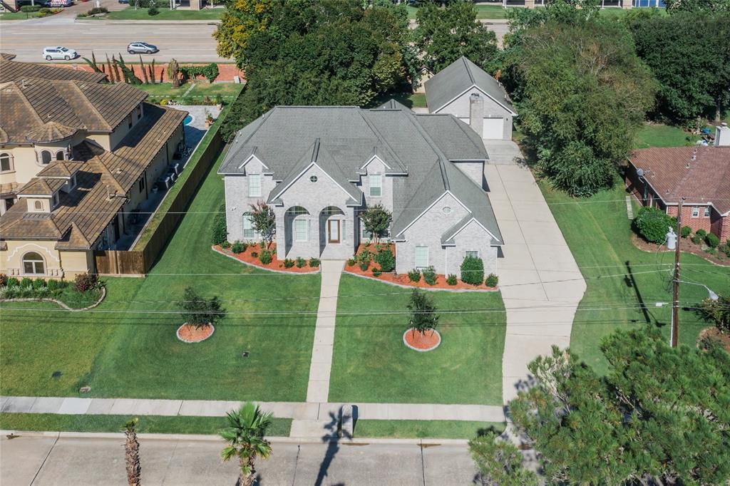 18511 Kings Lynn Street, Webster, TX 77058
