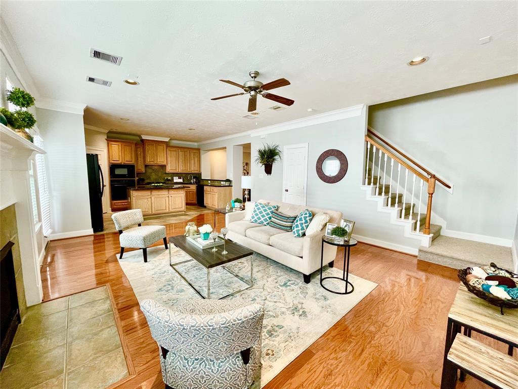 2945 2 Sandcastle Lane, Houston, Texas 77057, 3 Bedrooms Bedrooms, 9 Rooms Rooms,2 BathroomsBathrooms,Townhouse/condo,For Sale,Sandcastle,69632838