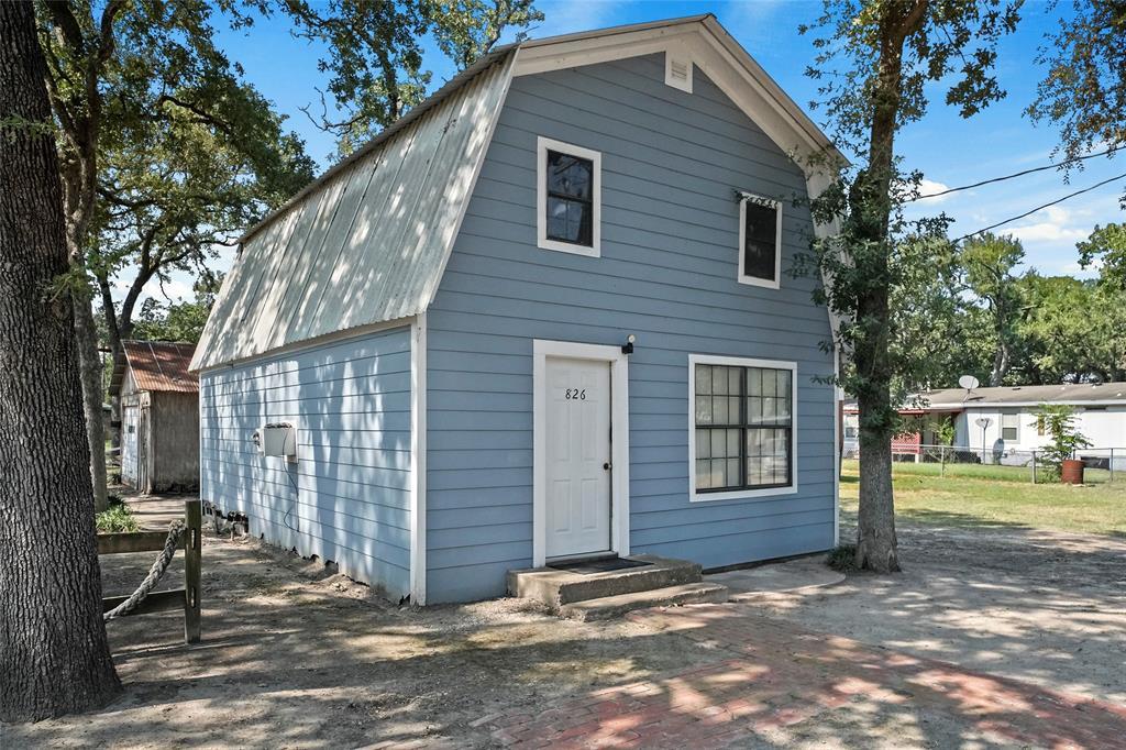 826 7th Street, Somerville, TX 77879
