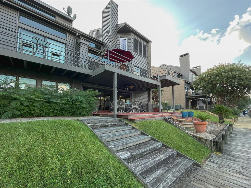 18301 3 Sandy Cove, Houston, Texas 77058, 3 Bedrooms Bedrooms, 8 Rooms Rooms,4 BathroomsBathrooms,Townhouse/condo,For Sale,Sandy Cove,40811725