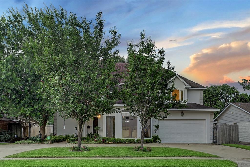 5758 Stillbrooke Drive, Houston, TX 77096
