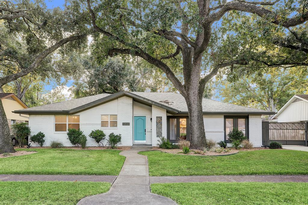 10810 Rampart Street, Houston, TX 77096