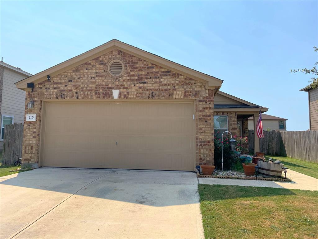 715 Estes Park, Taylor, TX 76574