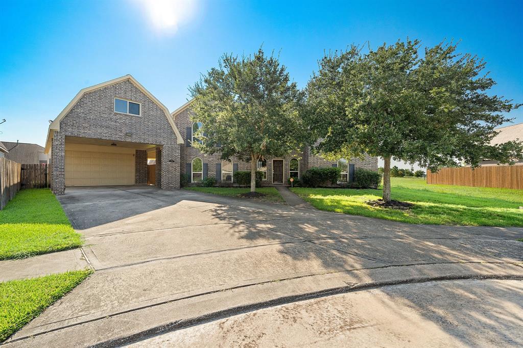 2221 Cochise Trail, League City, TX 77573