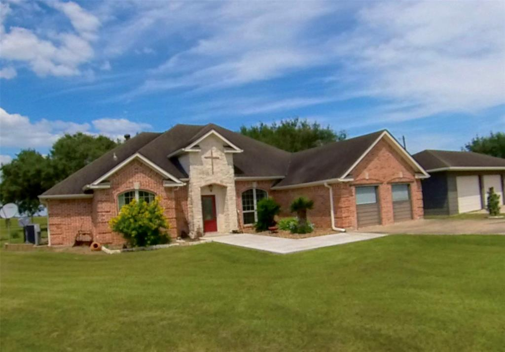 264 County Road 449, Midfield, TX 77458