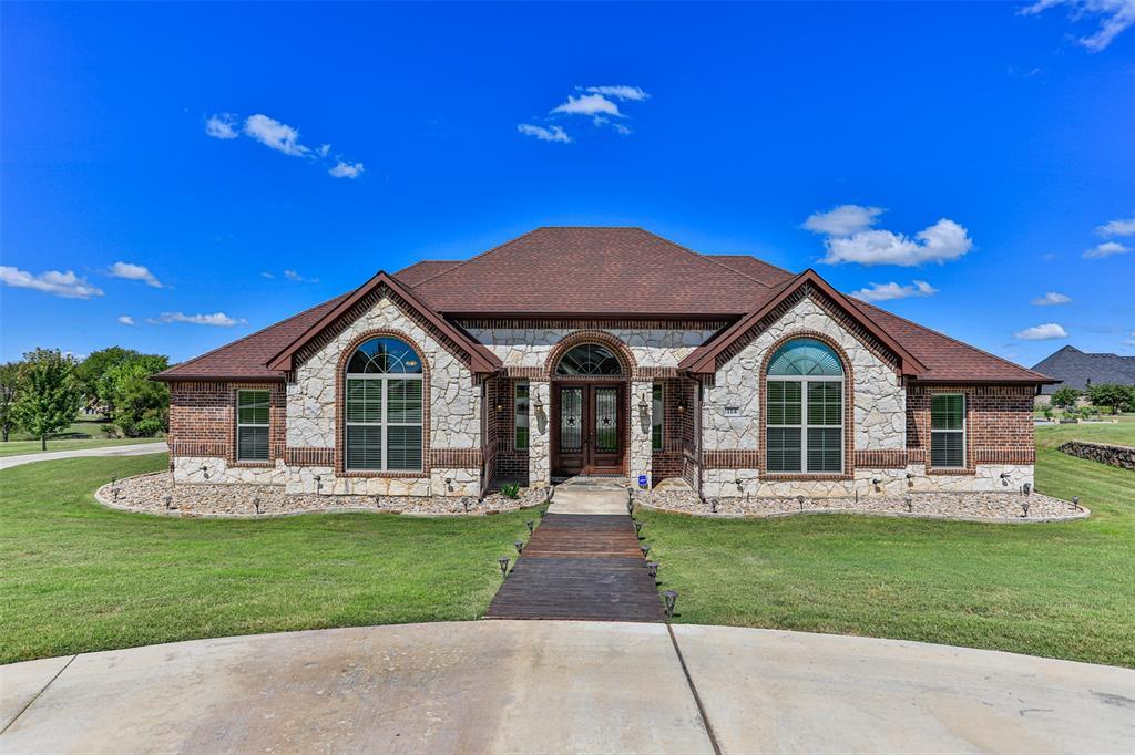 114 Brookes Lane, Waxahachie, TX 75165