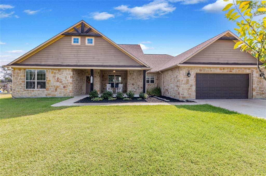 4095 Green Pastures, North Zulch, TX 77872