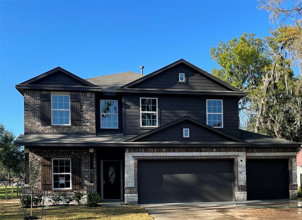 316 Woodhaven Drive, West Columbia, TX 77486