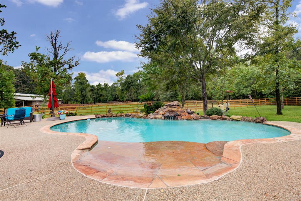 31203 Edgewater Drive, Magnolia, TX 77354