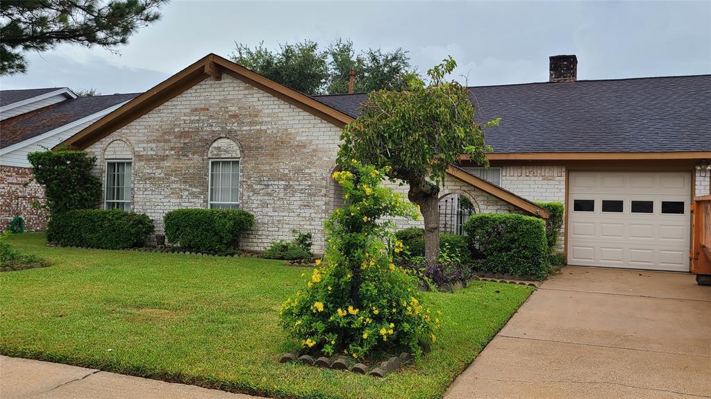 11922 N Kensington Drive, Houston, TX 77031