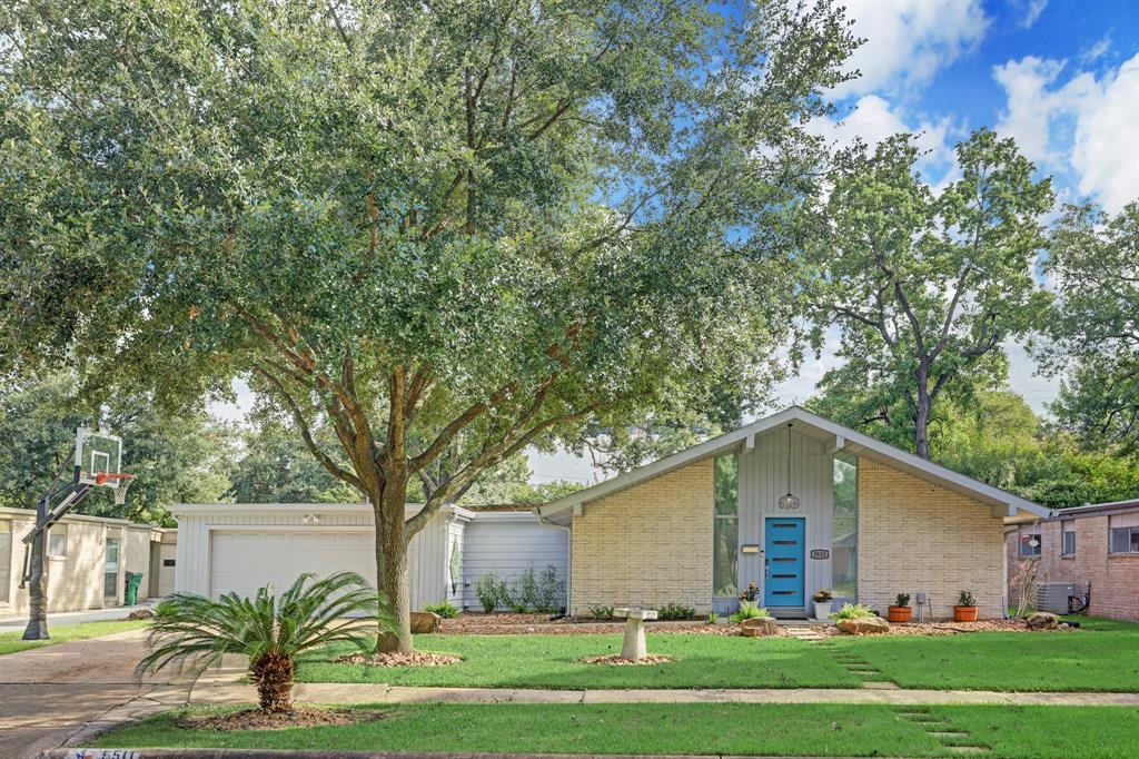5511 Braesvalley Drive, Houston, TX 77096