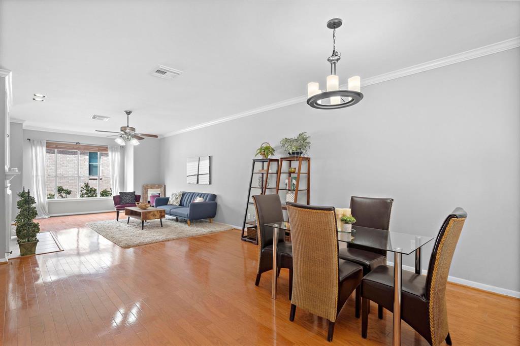 2913 3 Crawford Street, Houston, Texas 77004, 2 Bedrooms Bedrooms, 9 Rooms Rooms,2 BathroomsBathrooms,Townhouse/condo,For Sale,Crawford,8425212