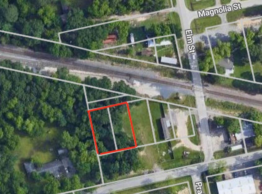 Two unrestricted lots for sale in Old Town Spring. Just 2 blocks from the main commercial area. Not in a flood zone and can be used to build a home or for commercial use. Great location to enjoy the Texas Wine & Art Festival,  Crawfish & Music Festival Autumn Art!!