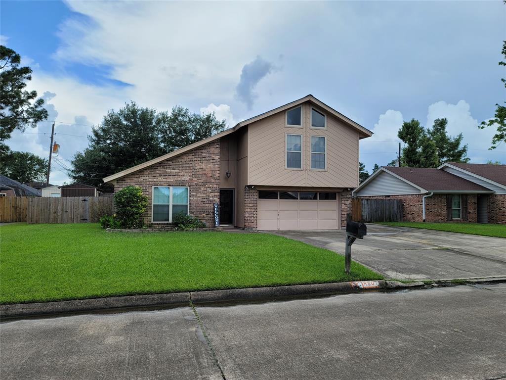 4801 Oak Valley Drive, Orange, TX 77632