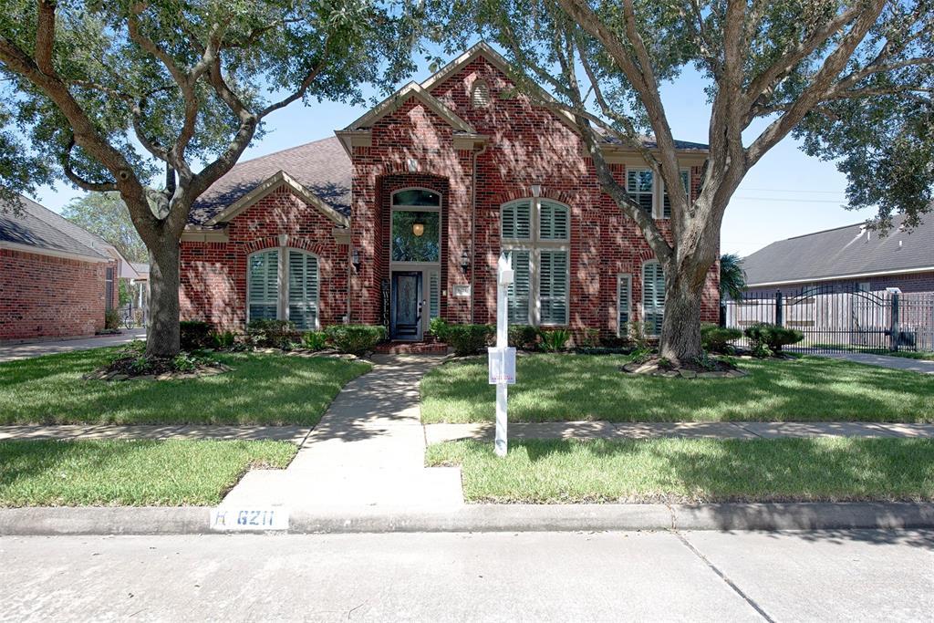 6211 Raintree Drive, Pearland, TX 77584