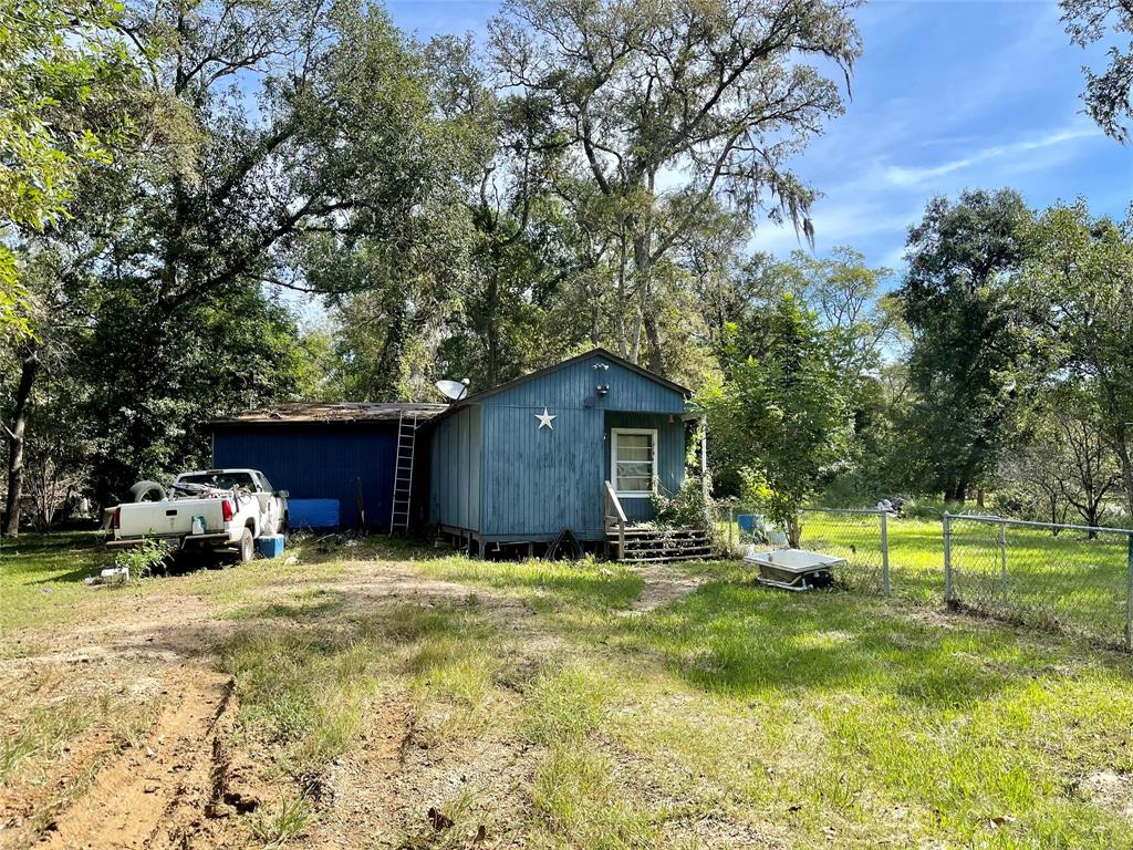 20207 Lost Forest Drive, Guy, TX 77444